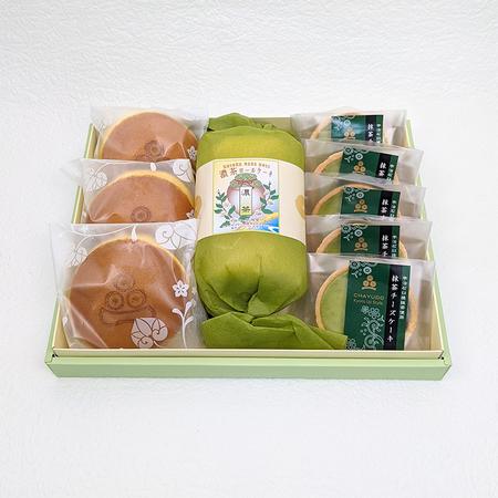 スイーツセットⅡ (濃茶ロール・宇治抹茶生どら焼き ・抹茶チーズケーキ)